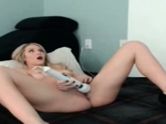 Hitachi orgasm! Hot blonde cums hard n fast