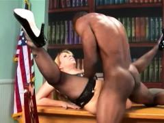 Nice Booty Sara Jay Fucks Black Guy