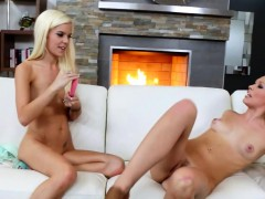 lesbians anal toying and licking pussies