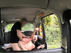 Tattooed lady gets anal sex in cab