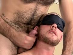 Uncut jock gets a blow job and cums gay Andro Maas And Frase