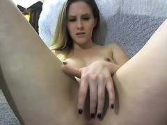 Sexy Teen Babe Rubs Pussy on Webcam