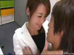 Office honey Maki's boss takes out vibrators and tunes up