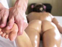 Hottie Gina Gerson Gets Fingered By Masseur