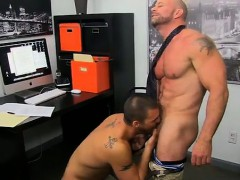 Gay video The man share their oral skills with Casey asslick