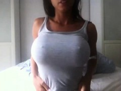 Cute chick shows her boobs on video