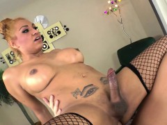 Hot Latin Tgirl Danielly Colucci Gets Assfucked