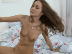 Neat pretty gal oraljobs man and receives fucked by him