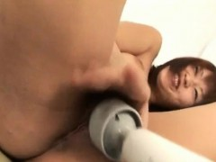 Kaede Oshiro gets vibrator on shaved crack and fingers in