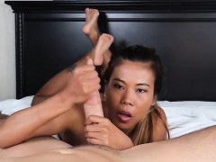 Asian hottie Chanel Lee proves shes the ultimate jerking