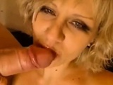 Horny blonde girl fucks hard and deep for the webcam