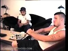 2 Straight Boys Beat Off